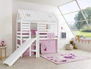 Un lit cabane blanc mezzanine toboggan pour filles