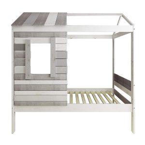 lit cabane avec porte coulissante et fenêtre