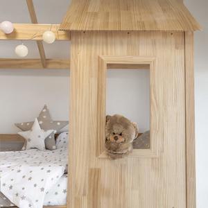 Fenêtre d'un lit cabane superposé