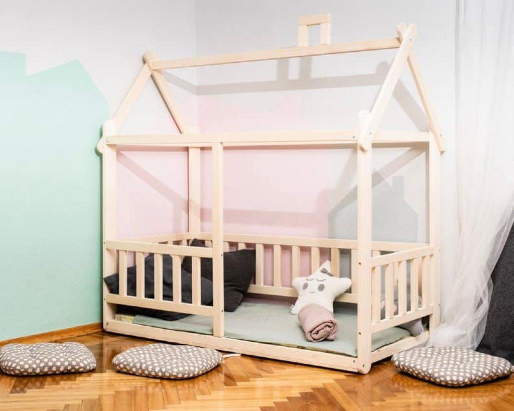 lit cabane montessori avec barrière pour bébé