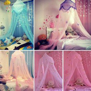 Plusieurs ciels de lit fille colorés